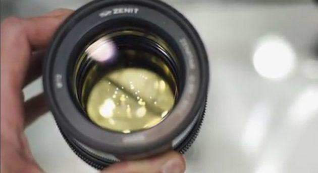 Ismét bemutatták a Zenitar szuper fényerős 50 mm-esét. Vajon lesz belőle valaha sorozatgyártás?